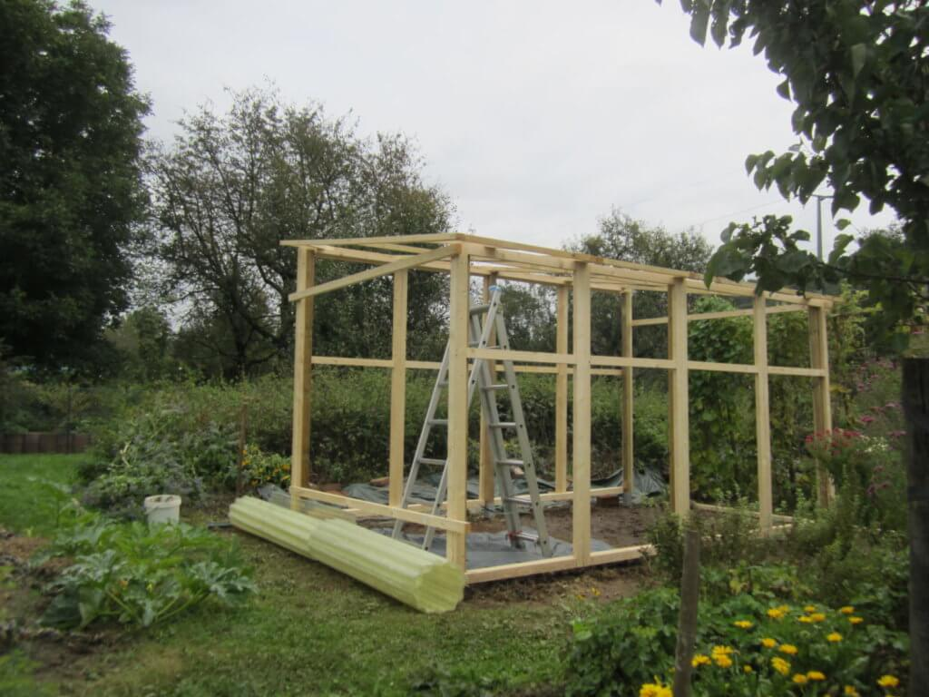 Grundgestell des Tomatenhaus