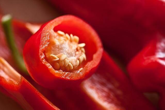 Paprika mit Kerngehäuse